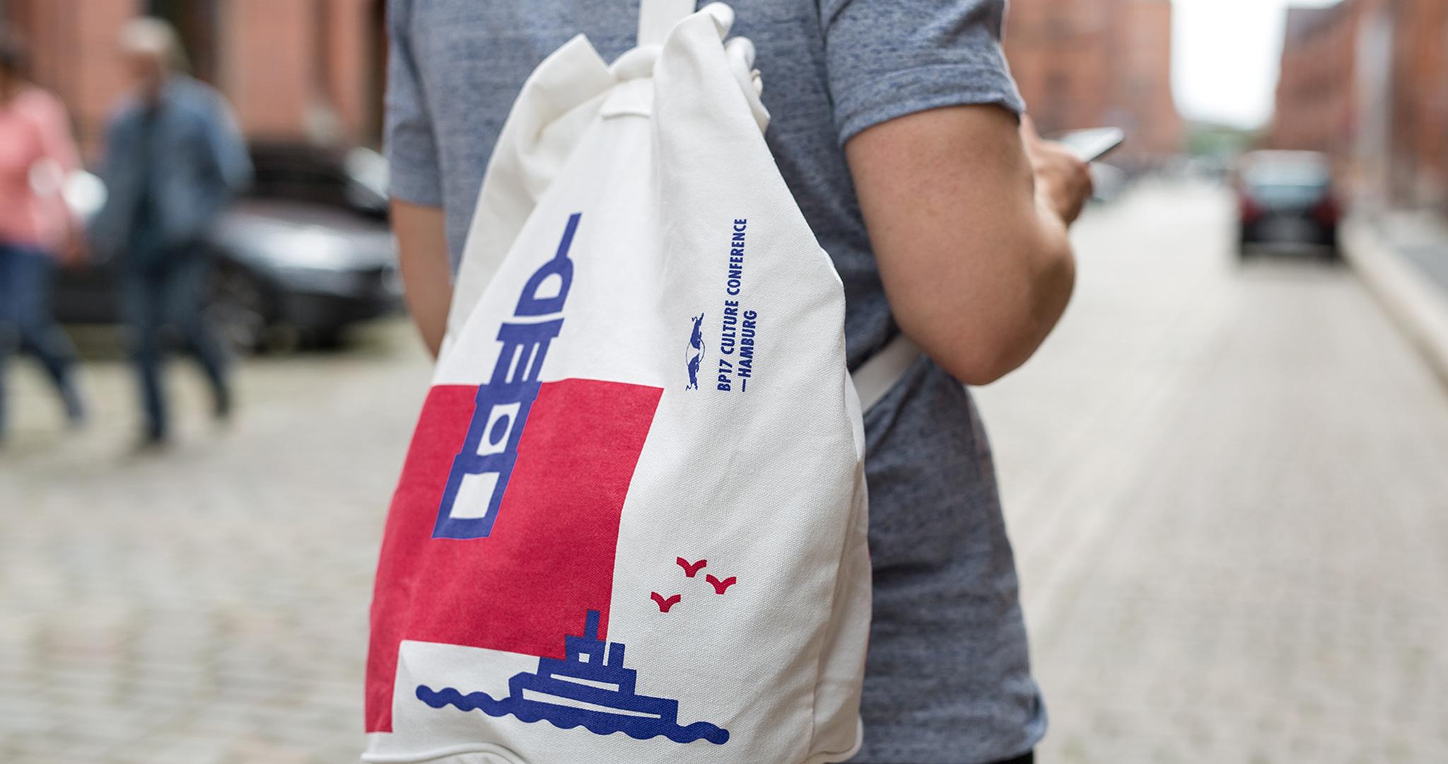 vsm-studio-red-bull-sailors-bag